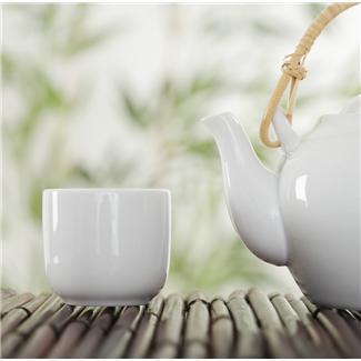 Ceramiczny czajniczek i czarka do herbaty