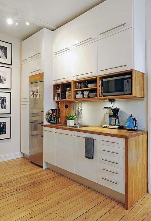 wysokie szafki kuchenne do sufitu w małej kuchni