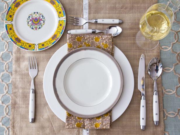 nieformalne nakrycie stołu