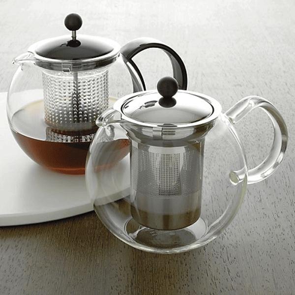 zaparzacz do herbaty Bodum z sitkiem metalowym i z tworzywa
